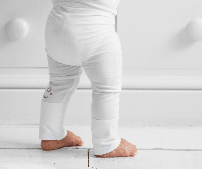 Eczema leggings with foldaway feet